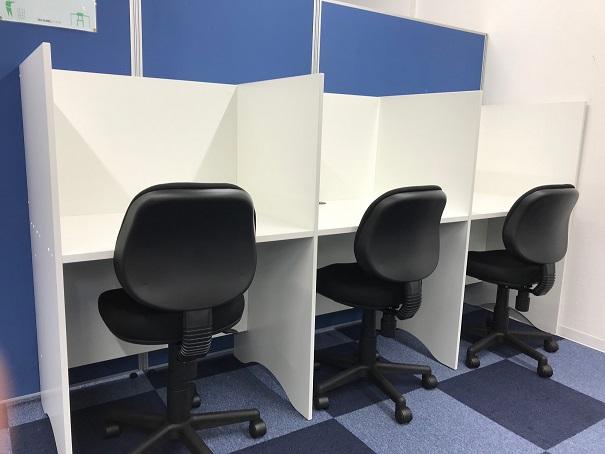 教室風景(自習机)画像